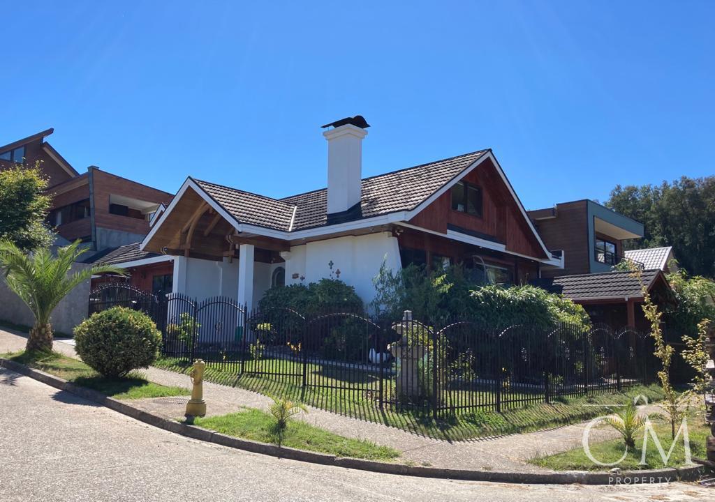Hermosa Casa en Isla Teja, Valdivia